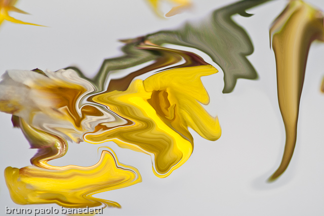 yellow color fluid floating lcock head like shapes